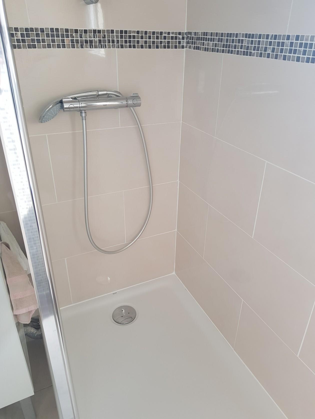 douche avec receveur extra-plat